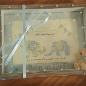 New Baby Boy Keepsake Frame And Matching Greetings Card Born In 2019  /  2018 New Baby Or Christening