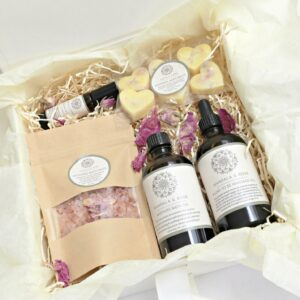 Mum To Be Pamper Gift Box / Pregnancy Gift Box   Stretch Mark Oil, Bath Oil, Bath Melts, Bath Salts, Essential Oil Roller Handmade 100% Natural   Cruelty Free   Vegan Friendly (SKU589)