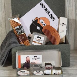 Male Gift Boxed Beard Grooming Kit Including Towel, Sweet Treat & Greeting Card Birthday Christmas Fathers Day Perfect Gift (SKU550)