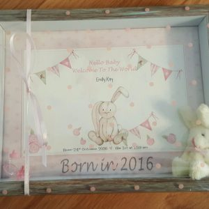 New Baby Boy or Girl Keepsake Frame And Matching Greetings Card Born In 2018 New Baby Or Christening